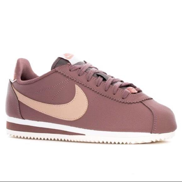 277df35a3ebec Womens Nike Classic Cortez